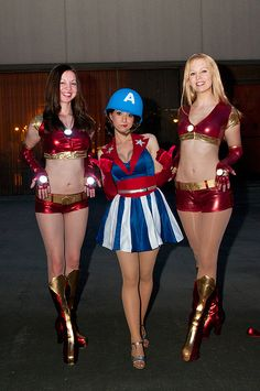 Dragon*Con 2011: Captain America USO Girls Costuming Gathering by Mavel - could probably use leotard for top