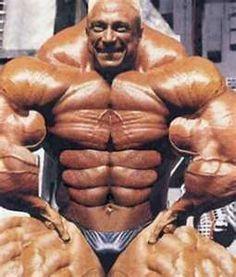 Another extreme bodybuilder, not photoshopped.