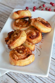 Easy Pinwheels and 5 other Easy New Year's Appetizers - TheNoshery.com   #NewYearsEve #Appetizers
