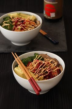 Brown Rice Noodle Bowl with Citrus Ginger Dressing & Sriracha Mayo