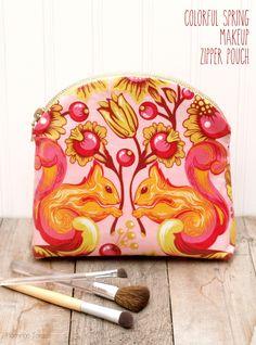 Colorful Spring Makeup Pouch Tutorial { lilluna.com }