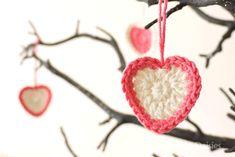 Sewing Daisies: Crochet Valentine Kisses. ❤CQ #crochet #hearts #valentines
