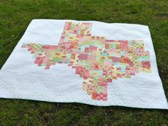 Texas Quilt 3 by Pretty Little Quilts, via Flickr