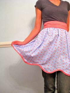 Hostess aprons are so retro chic! <3
