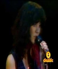 Linda Ronstadt - Blue Bayou ( Man on Fire ) .. Live ... so good!