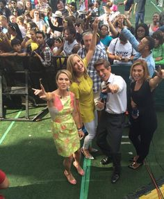 .@arobach @LaraSpencer  @DavidMuir and @Ginger_Zee are feeling the MAGIC! in Central Park! #MagicOnGMA
