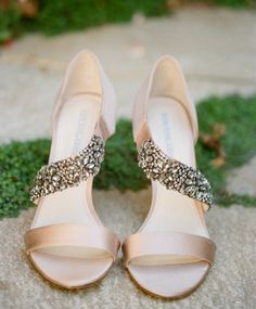 Bridal Style: Neutral Colored High Heels are a Perfect Fit for your Wedding Day