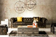 """De la misma manera que los diseños 'vintage' tienen su espacio en las pasarelas y en las fiestas más elegantes, el mobiliario también recupera esa pasión que el interiorista inglés Timothy Oulton define como """"pasión por lo antiguo"""". El estilo 'british' es refinado, clásico, elegante, sobrio y en ocasiones hasta frío."""