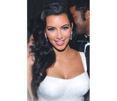Kim Kardashian Perfect Makeup for White or Wedding Dress @Luuux #Kim_Kardashian #Perfect #Makeup #White #Dress