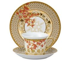 Versace Christmas In your heart.. 625 a place setting.. gorgeous