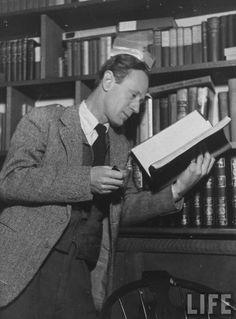WWI-Leslie Howard enlisted at the outbreak of the First World War. He served in the British Army as a subaltern in the Northamptonshire Yeomanry, but suffered shell shock, which led to his relinquishing his commission in May 1916.
