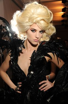 hitchock's the birds - m-a-c / the blonds @ ny fashion week