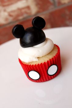 Mickey Mouse cupcakes!
