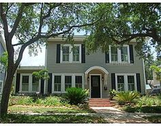 Fab Historic S. Tampa Home! Chic inside, modernized with subtle historic touches. 2810 W Morrison Ave. Tampa, FL