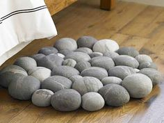 Clustered Felted Stone Mat | OhGizmo!