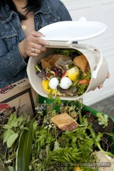 Garden Compost Tips from #oldfashionedliving #garden