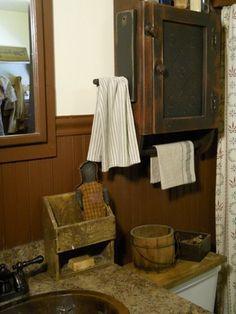 ; hanger, towel racks, barn, color, prim bathroom, bathroom ideas, primitive decorations, primitive bathrooms, primit bathroom
