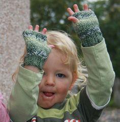 Fre pattern rowan gloves by cherryred2001, via Flickr
