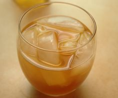 Apple Pie: Vanilla Vodka, Apple Cider, Ice and Cinnamon! Perfect for Christmas.