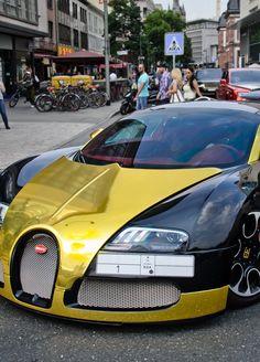 Bugatti Veyron Dark and Gold