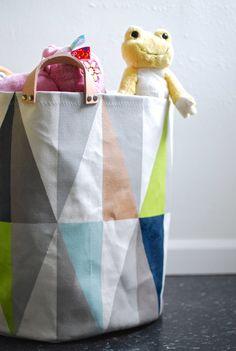 diy toy bin / needle + thread
