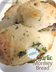 Mini Garlic Monkey Bread Recipe / Six Sisters' Stuff | Six Sisters' Stuff