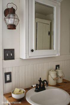 FARMHOUSE 5540: Farmhouse Bathroom