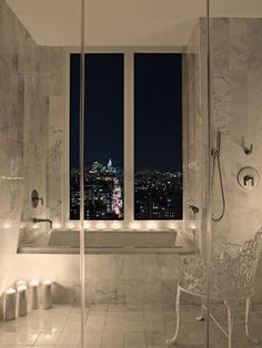 Crazy view at the Mondrian SoHo Hotel NYC - www.deedeesrules.com