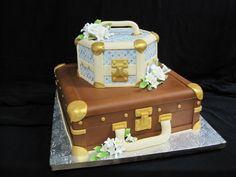 Amazing suitcase cake! cake boutiqu, cake envi, suitcas cake, cake stuff, cake idea, suitcase cake, amaz suitcas, decor cake, amaz cake