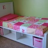 cute diy bed frame!!