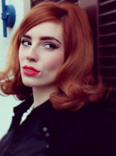 HOW TO: SIXTIES HAIR TUTORIAL by Vanessa This... | powder doom