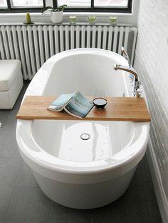 A crisp new cedar desk… for your bathtub | #TreatYoSelf #ParksandRec
