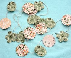 This paper craft makes the perfect DIY garland for Christmas.