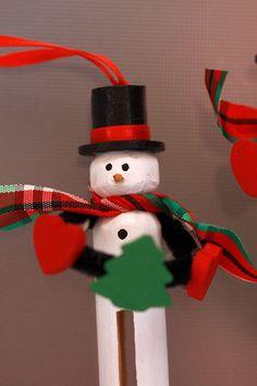 Wooden Clothespin Snowman Ornament Idea