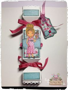 """DT Eva gorgeous treat box featuring Pregnant Mommy"""" stamp"""