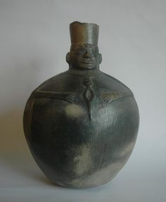 Chimu molded blackware vase
