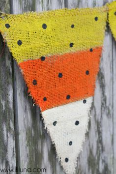 Burlap candy corn banner. Repinned from Vital Outburst clothing vitaloutburst.com
