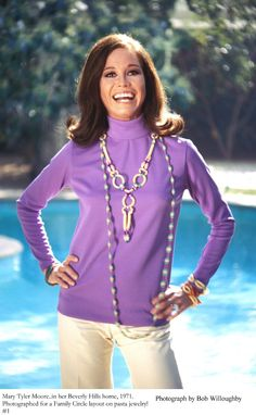 Mary Tyler Moore at home in Beverly Hills 1971