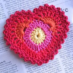 I ♥ⓛⓞⓥⓔ♥ this lacy and colorful heart!  #love #crochet #hearts and #valentines