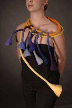 Julia Rossi: Fieltro accesorios