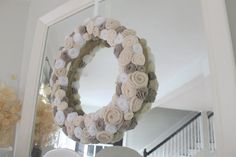Decorating Addiction: Winter Upcycled Wreath in 7 steps