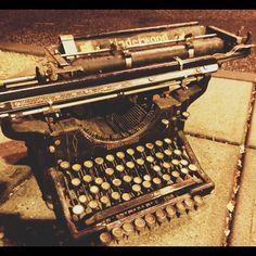 máquina de escrever para moldura
