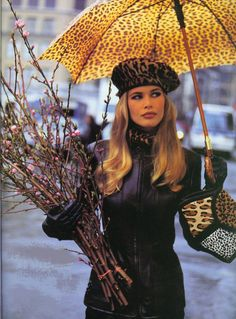 fashion clothes, claudia schiffer, anim print, umbrella, leather jackets