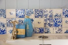 love the unique touch of the blue and white tiles