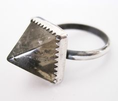 Quartz stud ring