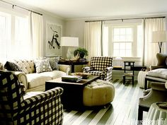 Build upon one bold pattern. Design: David Mitchell. Photo: Eric Piasecki. housebeautiful.com. #living_room #striped_floors #checkered #pattern #gingham #floral #toile
