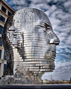 Metalmorphosis - 30-foot rotating head water fountain