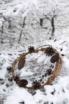 wreath: different size pine cones
