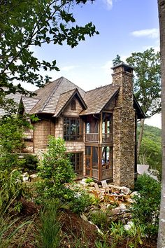 georgianadesign:    Antique timber and stone in NC. Tyner Construction.