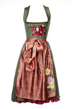 Dirndl love the detail on apron
